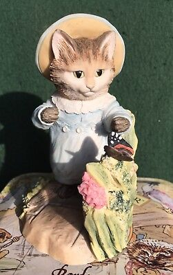 Border Fine Arts Beatrix Potter Figurine - Tom Kitten With Butterfly