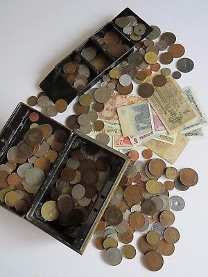 Mix of World Coins and Bank Notes Job Lot in metal box Approx 2400g