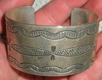 EARLY C. 1920 CLASSIC NAVAJO COIN SILVER BRACELET W/ GREAT STAMP WORK vafo