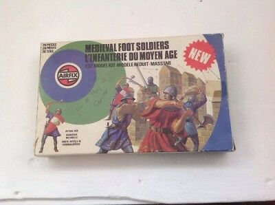 Vintage 1978 Airfix 1:32 Toy Soldiers - Set of Medieval Foot Soldiers Boxed