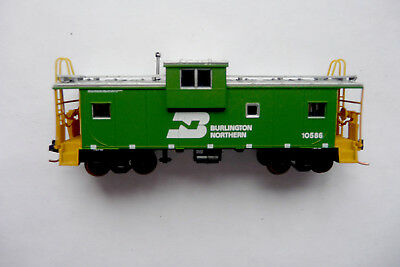 N Scale Atlas Caboose & Roco Track Cleaning Boxcar  - Burlington Northern