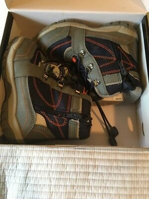 Kids Snow Boots Size 9