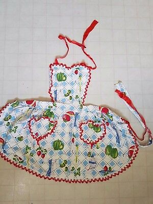 Vintage Woman's Apron Clothing Olives and Peppers Frilly with Bib