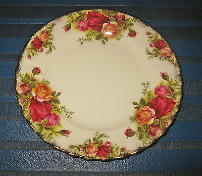 Royal Albert Old Country Roses : A Small Side Plate