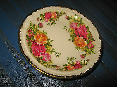 Royal Albert Old Country Roses : A Small Decorative Plate