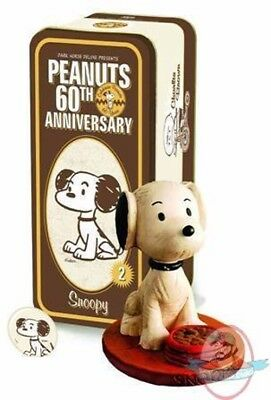 Snoopy  Dark Horse Peanuts 60th Anniversary Edition Artist Proof Statue