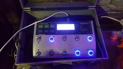 TC Helicon voicelive 3 Vocal Processor With MP  76 Controller Mic + flight case