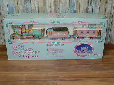 Precious Moments Sugar Town Express Christmas Tree Holiday Train Complete AS IS
