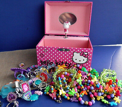 HELLO KITTY Musical Jewelry Box Packed With Play Jewelry