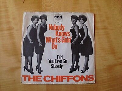 The Chiffons - Nobody knows what's goin' on  - Nur Cover!