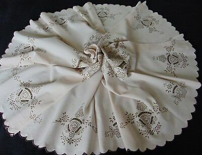 Vintage Madeira Printed Cotton Scalloped Edge Large Sized Round Tablecloth