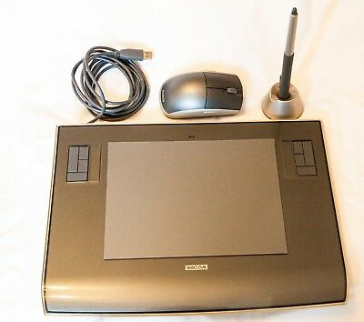 Wacom Intouos 3 Graphic Tablet with mouse and Pen