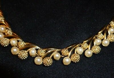 Vintage Trifari Pearl Necklace For The Holidays Jewelry