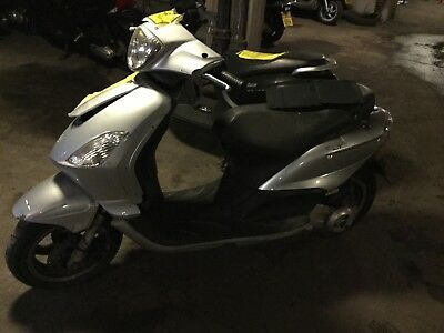 Piaggio fly 125 2010 spares or repair frame engine project