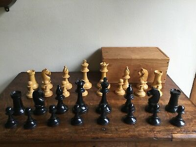 Vintage wooden chess set complete king 9cms