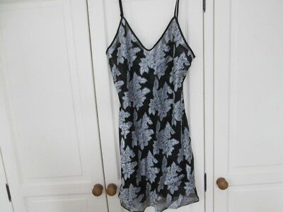 Vintage Black and White Floral Print Chemise/Slip/Nightie - Size Large