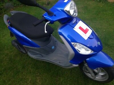 Piaggio fly scooter low mileage hp23