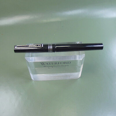 Vintage Osmiroid Black CT Italic Broad Fountain pen with ink converter.