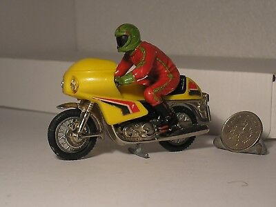 Vintage Britains JPS NORTON Commando 850cc Motorcycle & Racing Bike Rider 1:32nd