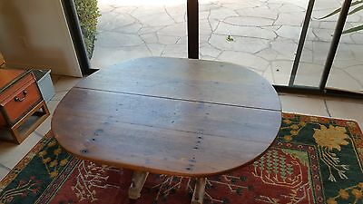 American Colonial Birch & Pine Oval Tavern Table circa 1770