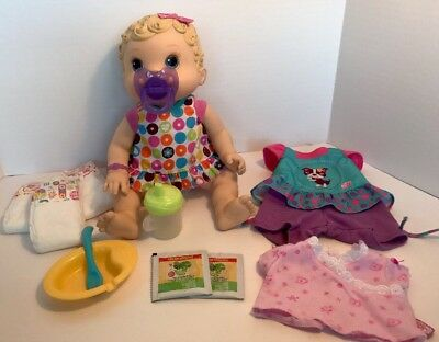 2009 Baby Alive Changing Time Doll Wets N Wiggles +Magnetic Bottle And Pacifier