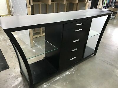 Black and Glass Shop Counter