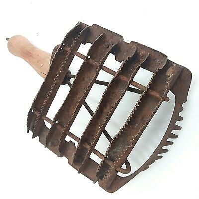 Collectible Vintage Horse Brush Comb Curry Animal Grooming Tool Red Wood Handle