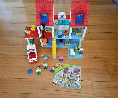 Duplo 5795 lego hospital 99.9% complete (figure brick block minifigure city)