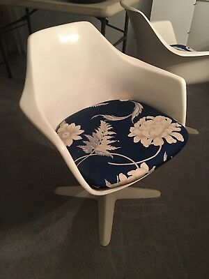 Burke 116 Saarinen Tulip Chairs Qty. 6 with Table Mid-Century Modern