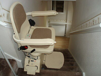 Acorn Superglide 120 Stairlift, Excellent Condition, Two Remote Controls.