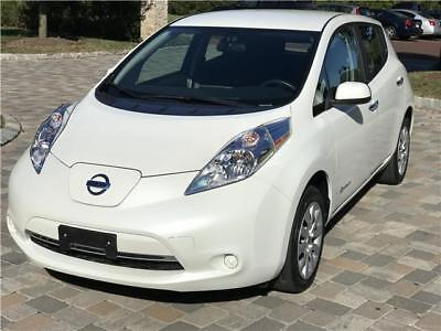 2015 Nissan Leaf S w/ColdWeatherPkg Quick Charge Sys 2015 Nissan LEAF S w/ColdWeatherPkg QuickChargeSys RearViewCam CarFax Bluetooth