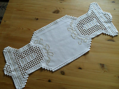 """HARDANGER NEW BEAUTIFUL  HANDCRAFTED  runner white with bells X-Mas 27"""" x 10 """""""