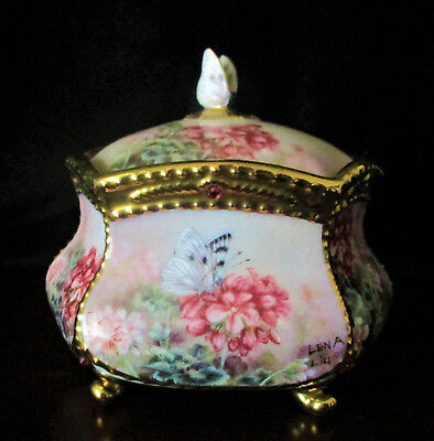 """LENA LUI'S  """"World of Wonder""""  Music Box by Ardleigh Elliot  Excellent Condition"""