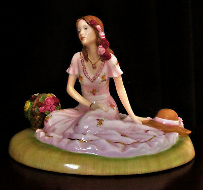 """ROYAL ALBERT  """"Old Country Roses""""  Figurine  """"Summer Rose""""   Excellent Condition"""