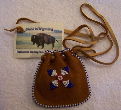 Hand Made Small Beaded Medicine Pouch Rendezvous Black Powder Mountain Man 02
