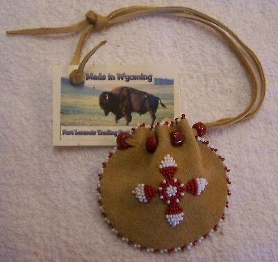 Hand Made Small Beaded Medicine Pouch Rendezvous Black Powder Mountain Man 05