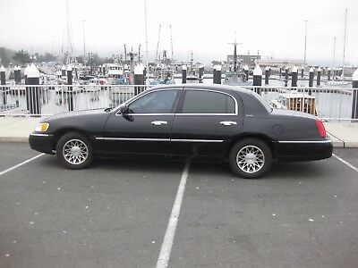 2000 Lincoln Town Car Signature 2000 Lincoln Town Car