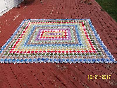 Beautiful Hand Made Hand Stitched King Sized Quilt Patch Scalloped Design