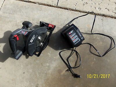 Porter Cable Battery Powered Cordless Circular Saw PC 186CS w/battery & charger
