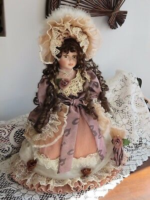 Beautiful '' Victorian '' Porcelain Doll -