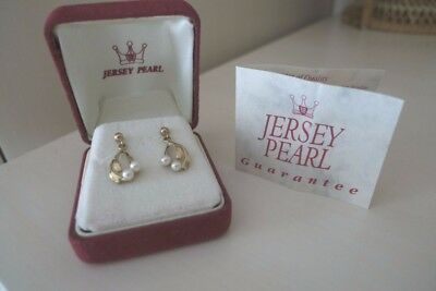"9ct  gold fully hallmarked jersey pearl earrings with box. ""Mistletoe shaped"""
