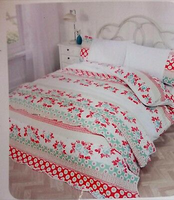 Bedspread 200x200 in coral/green/beige. To
