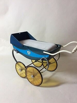 Sindy Bule Coach Built Type Blue Pram