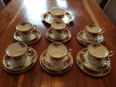 Royal Albert Old Country Roses Teacups Sauces