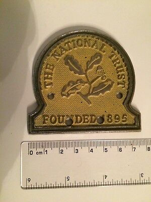 The National Trust Car Badge
