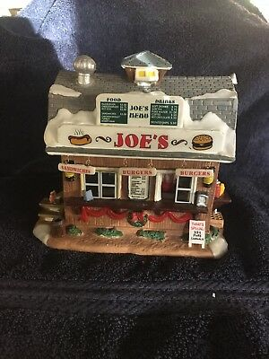"""Lemax """"Bill's Produce Mart"""" Lighted Building RETIRED Christmas Village"""