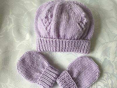 Hand Knitted Baby Girls Lilac Hat and Mittens Set  0- 3 months  'NEW'