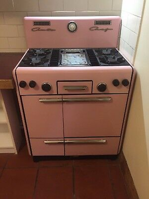 Pink retro free standing gas stove/oven