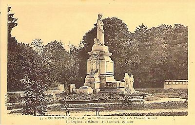 COULOMMIERS - Monument Morts