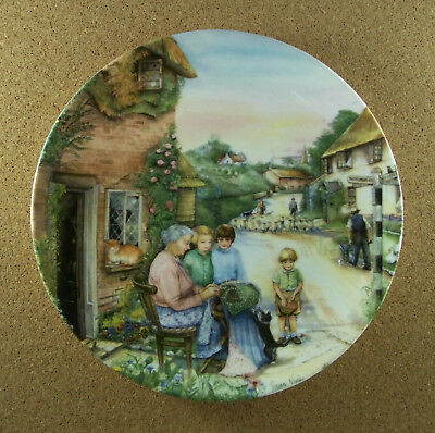 Old Country Crafts THE LACEMAKER Plate #5 Susan Neale Royal Doultan 1991 HTF COA